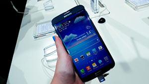 samyj-dolgorabotayushchij-smartfon